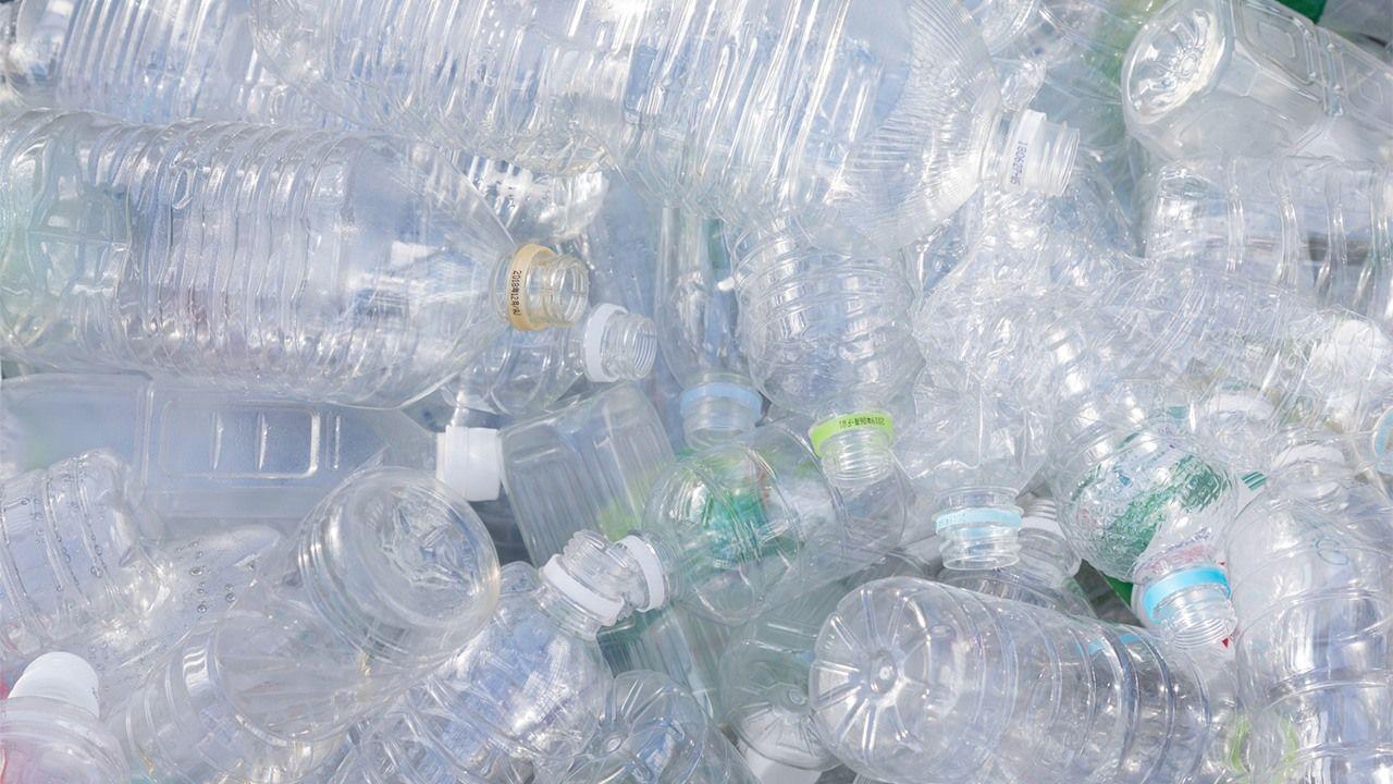 bouteilles PET plastique