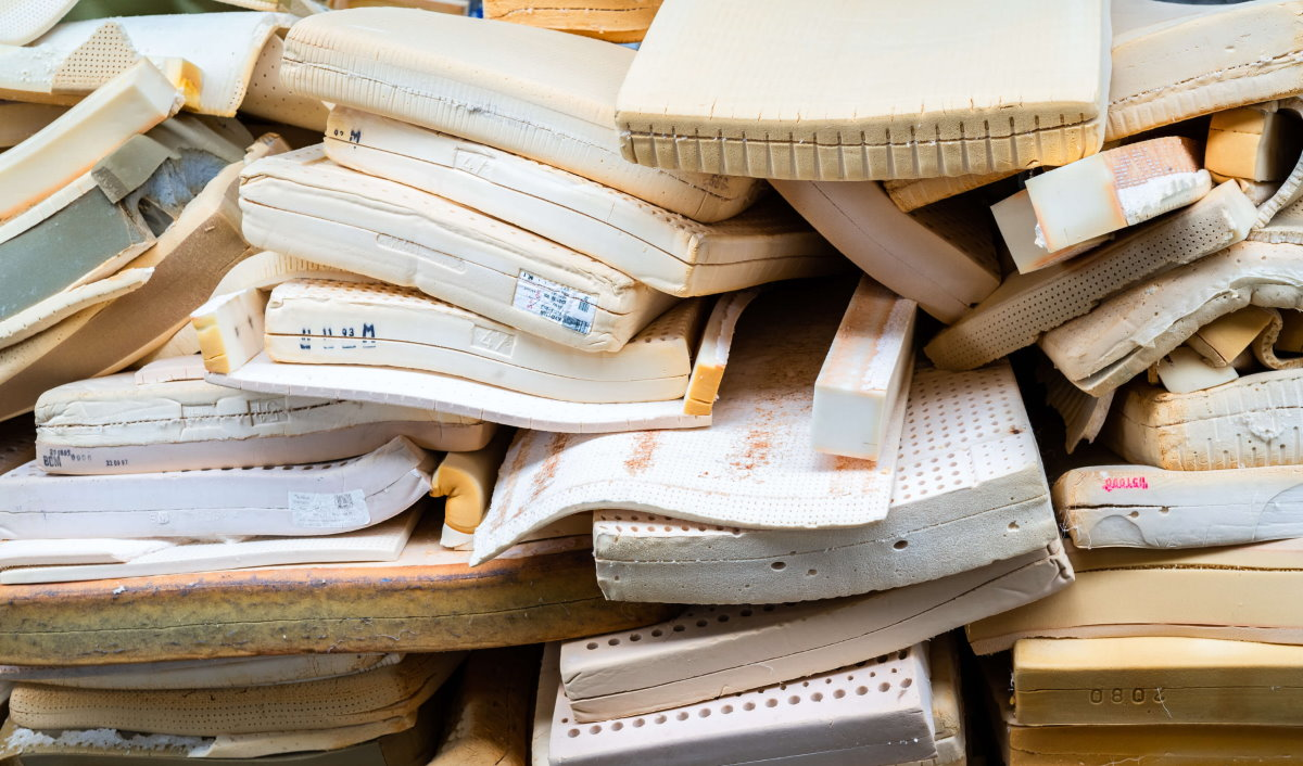 Récupération de matelas pour recyclage
